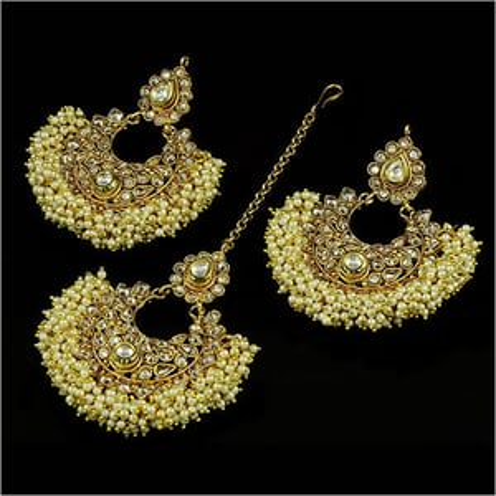 Earrings With Maang Tikka