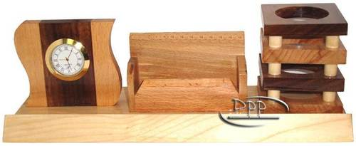 WOODEN DESKTOP ARTICLES