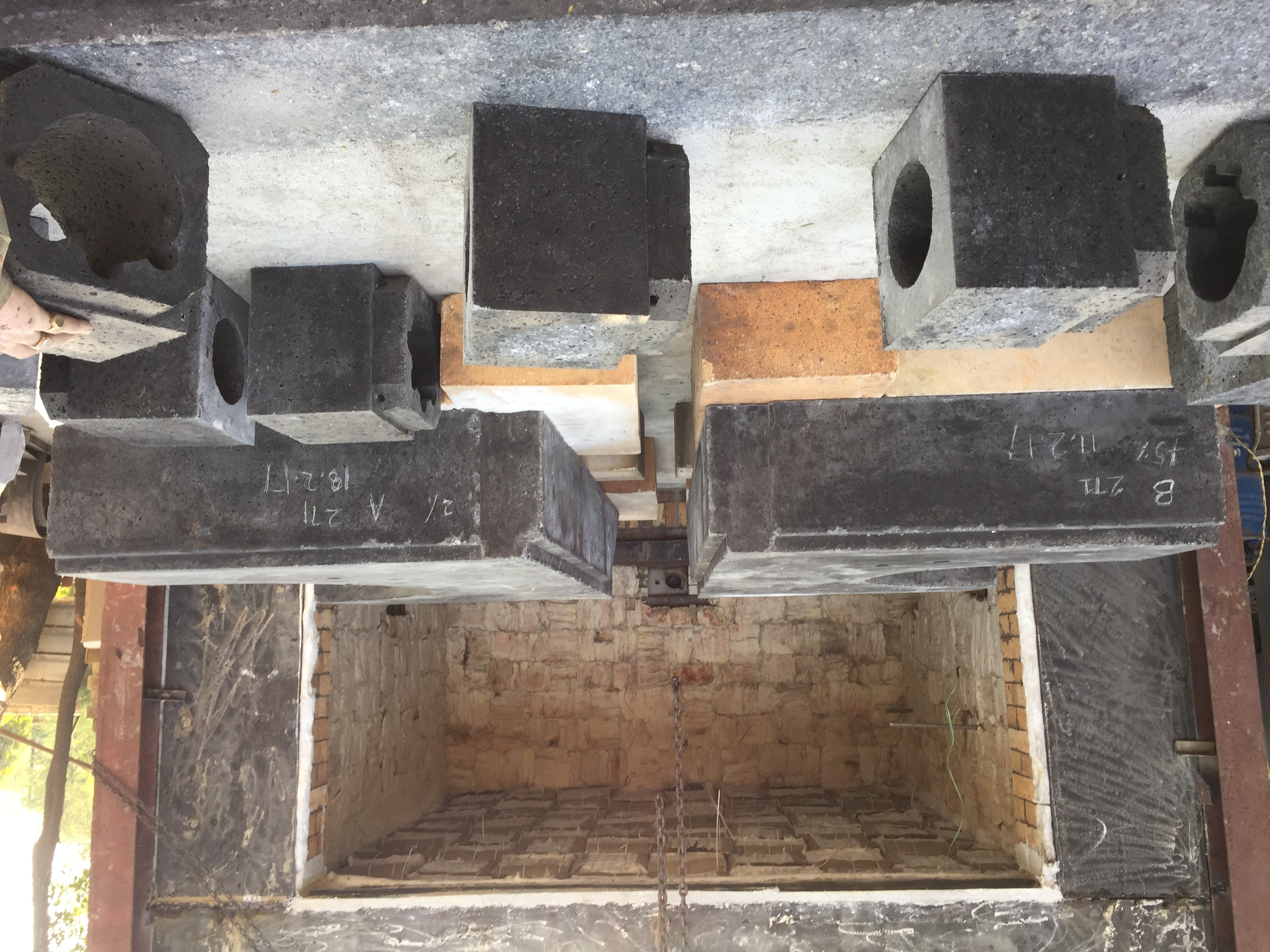 Induction Furnace Top And Bottom Block