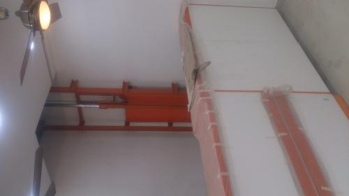 Wall Mounted Single Mast Stacker