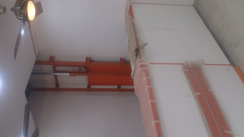 wall mounted single mast stacker