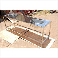 Dubble sink with platform