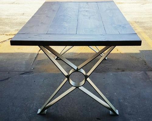 Cross leg table