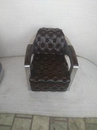 Aviator Button sofa chair