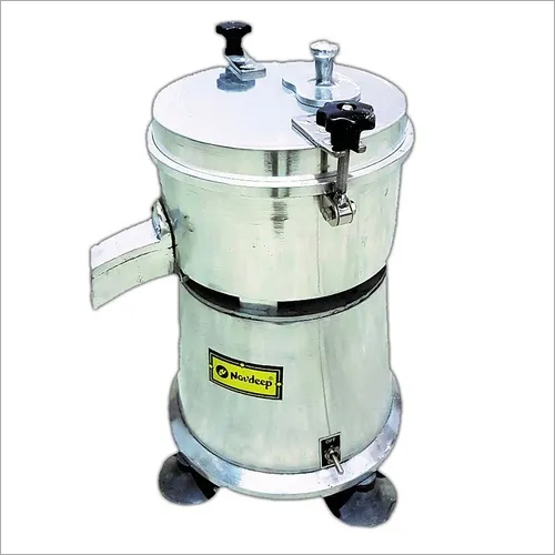 Medium Commercial Carrot Juicer