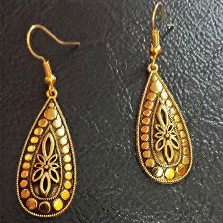 Ladies Designer Earring Set