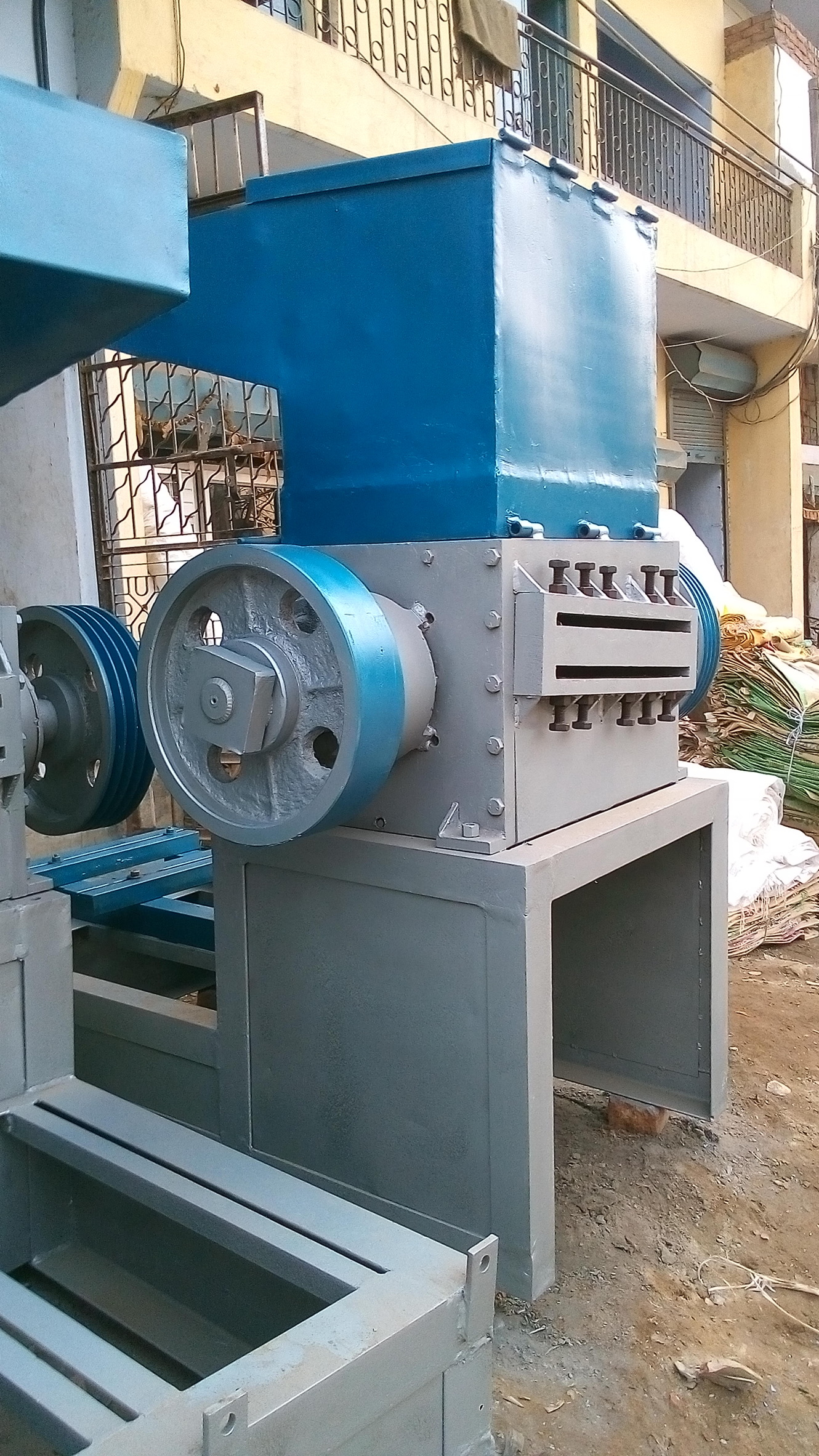 Plastic Scrap Grinder Machine