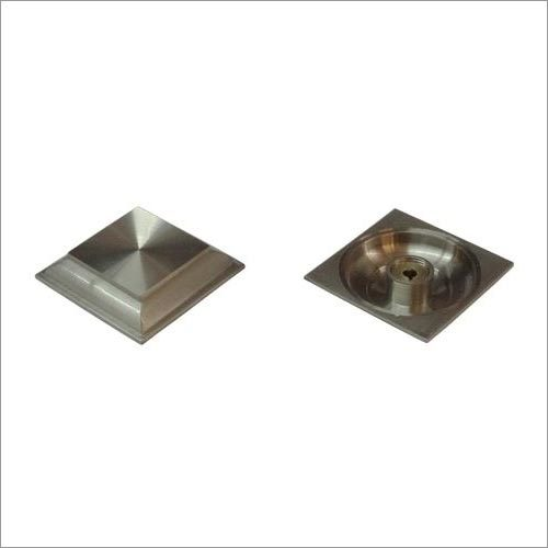 Square Royal Pyramid Mirror Cap