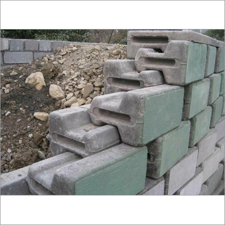 Retaining Blocks