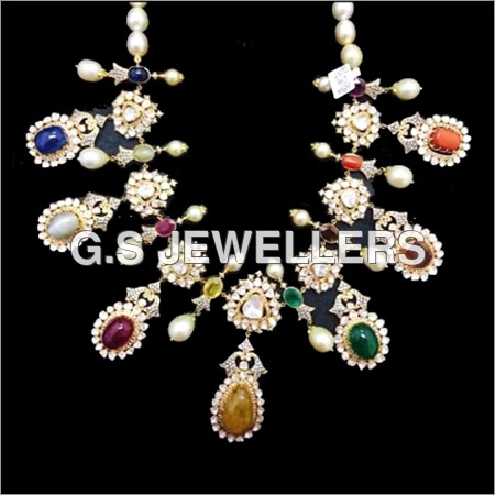 Nawratan Line Necklace