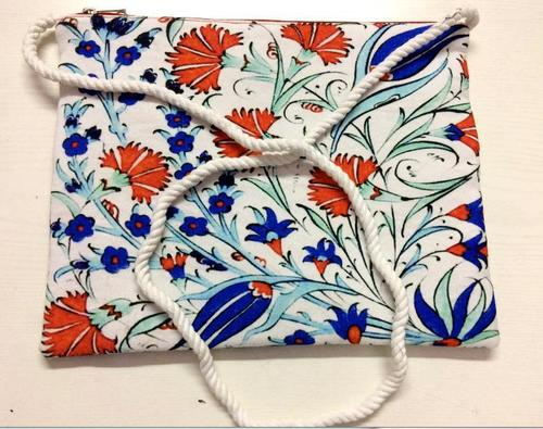 Cosmetic bags with handle