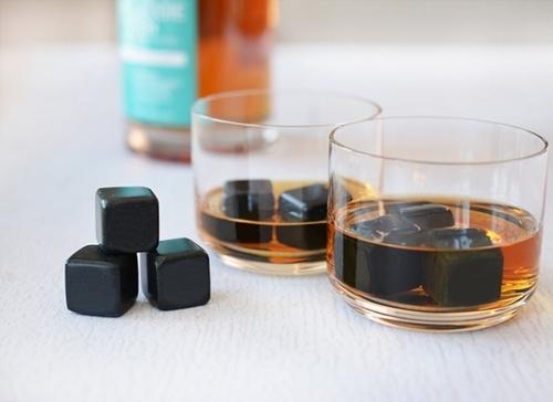 Black whisk stone