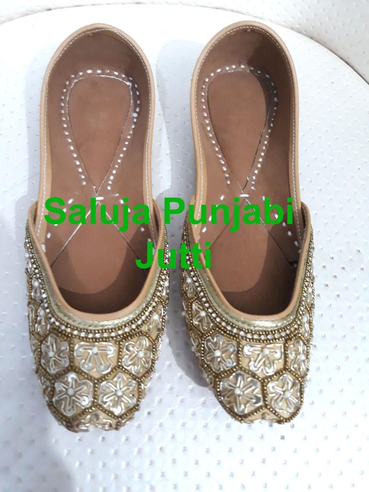 Golden Punjabi Jutti