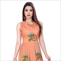 Ladies Sleevless Printed Gown
