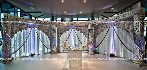 Spiral Akbar Crystal Wedding Mandap