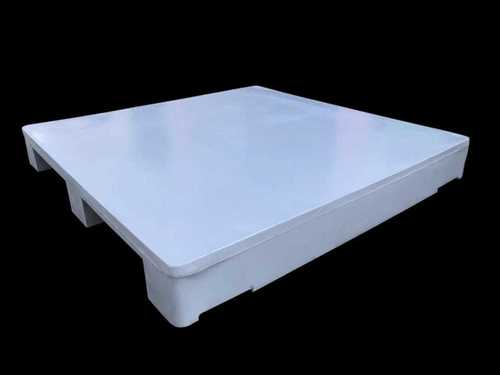 ROTO MOLDED TWO WAY PLAIN TOP PLASTIC PALLET