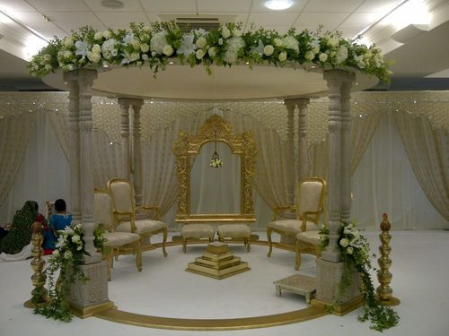 Double Pillar Round Wood Wedding Mandap