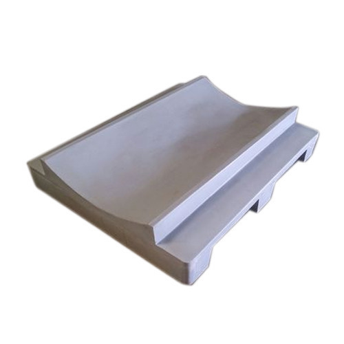 Roto Molded Two Way Roller Plastic Pallet