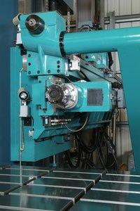 Full Splash Guard Table Type Deep Hole Drilling Machine