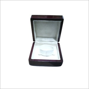 Ring Leather Display Box