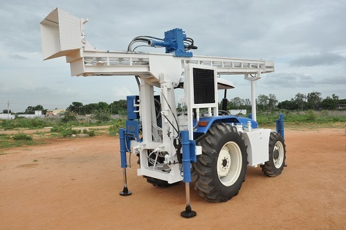 Tractor Rock Machine Borehole DTH Water Well Drilling Rig