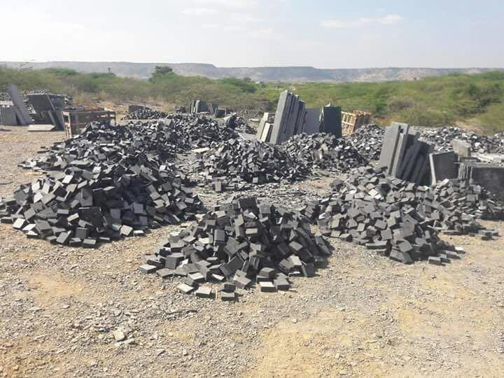 Limestone Black Cobbles