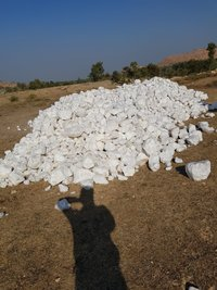 silica quartz lumps /  quartz  rocks / Sio2 purity 99%