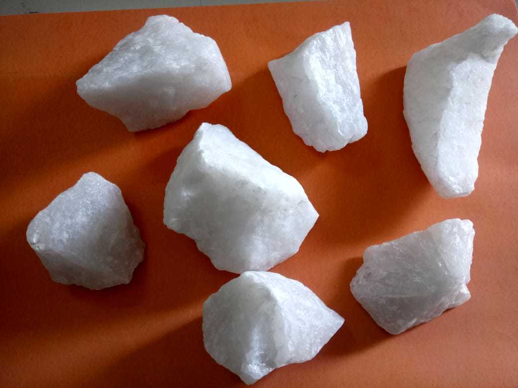 Indian Direct Mines Export Silica Quartz Lump and Big Rocks With 99% Purity