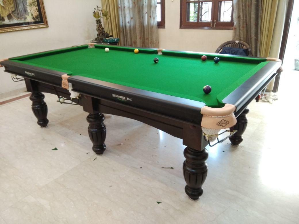 9ft Pool Table
