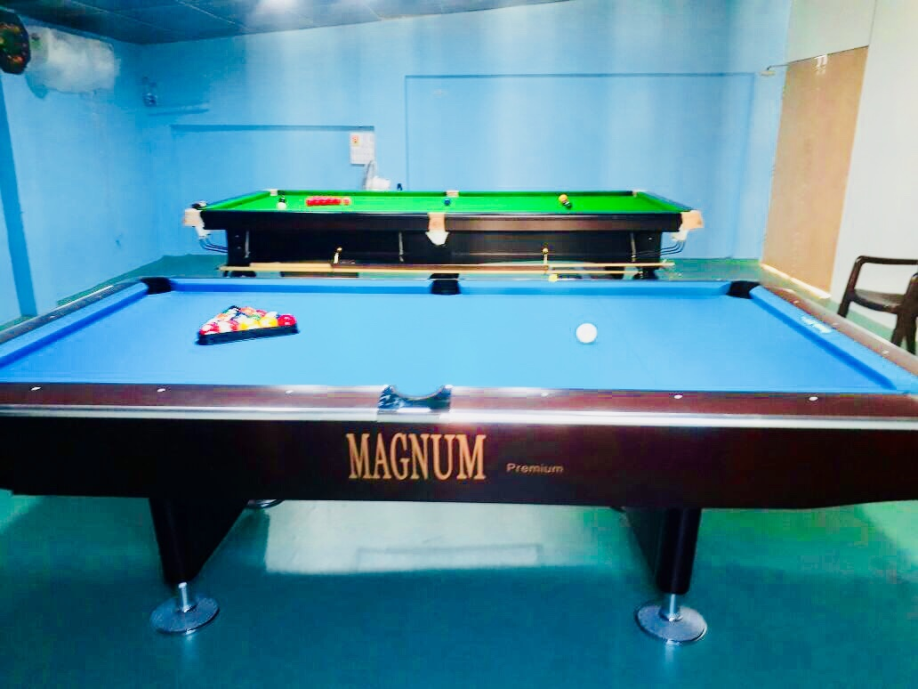 8' American Pool Table