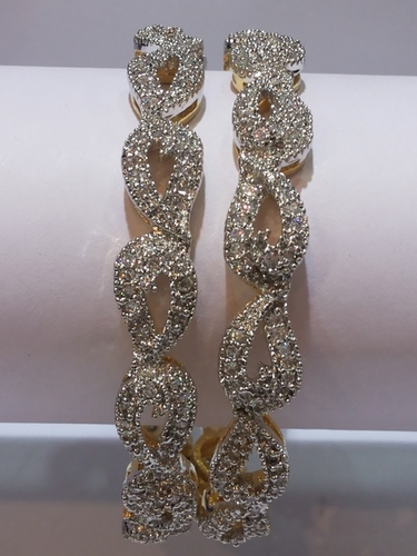 Bridal Pattern American Diamond Bangles