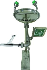 Wall Mounted Eye Wash Station