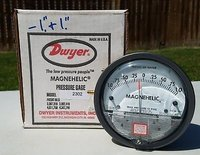 Dwyer USA Model 2302 Magnehelic Gage Range 1-0-1 Inch WC