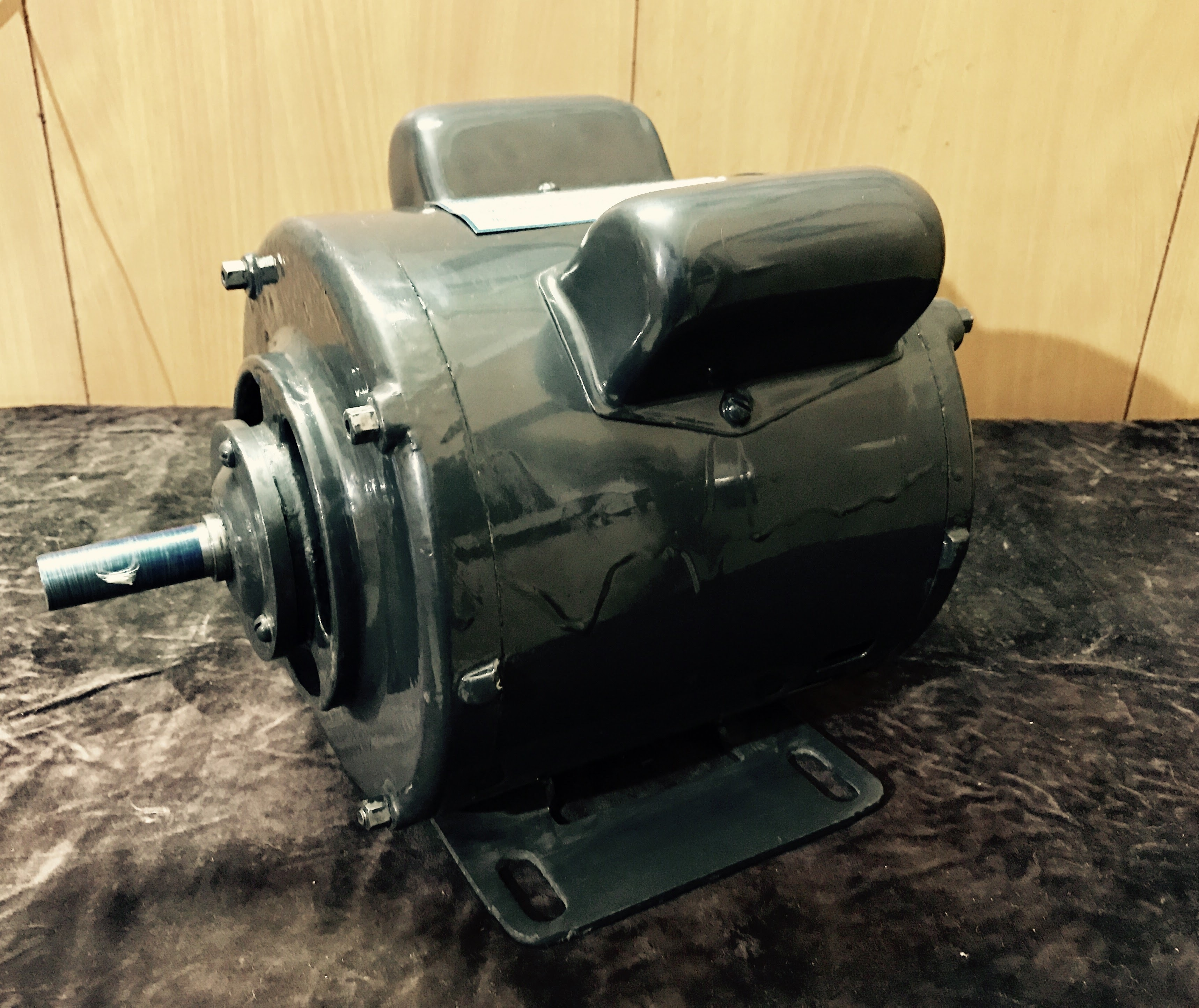 Double Capacitor Induction Motor