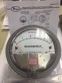 Dwyer 2205 Magnehelic Differential Pressure Gauge 0-5 PSI