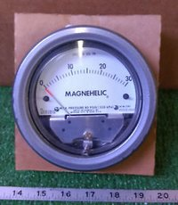 Dwyer 2230 Magnehelic Differential Pressure Gauge 0-30 PSI
