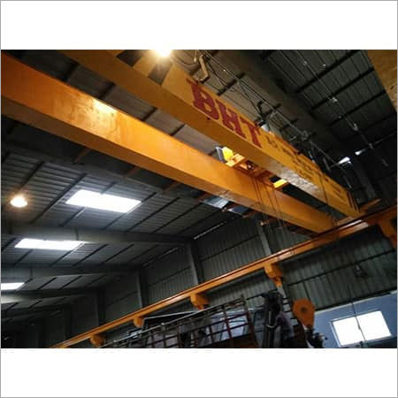 EOT CRANE  (DOUBLE  GIRDER BOX TYPE)