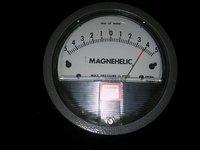 Dwyer 2300-4CM Magnehelic Differential Pressure Gauge Range 2-0-2 CM