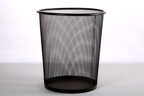 9102 MEDIUM METAL DUSTBIN 11