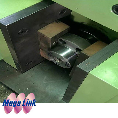 Die Locking Machine