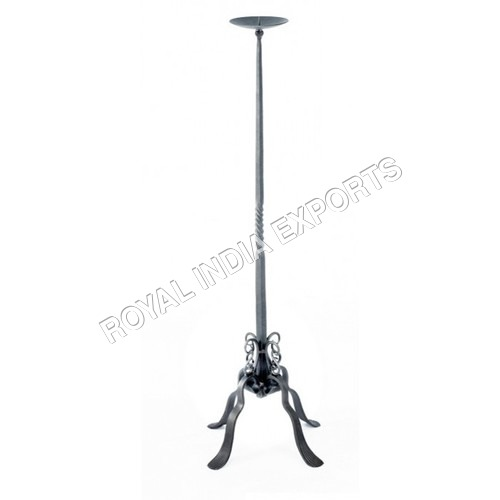 HIGHLAND IRON CANDLE STAND