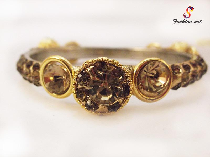 Royal Crown Brass Bangle Set