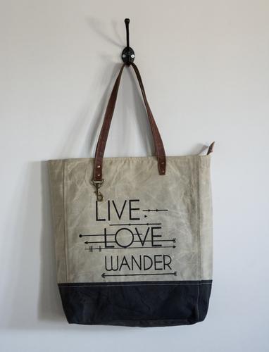 love wander tote bag