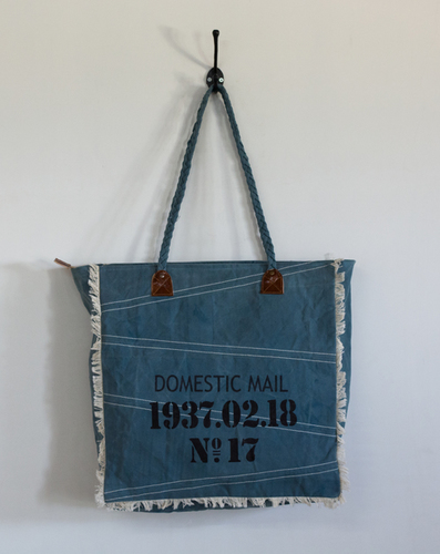 big size tote bag with prints