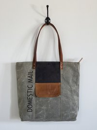 leather front patch pocket tote