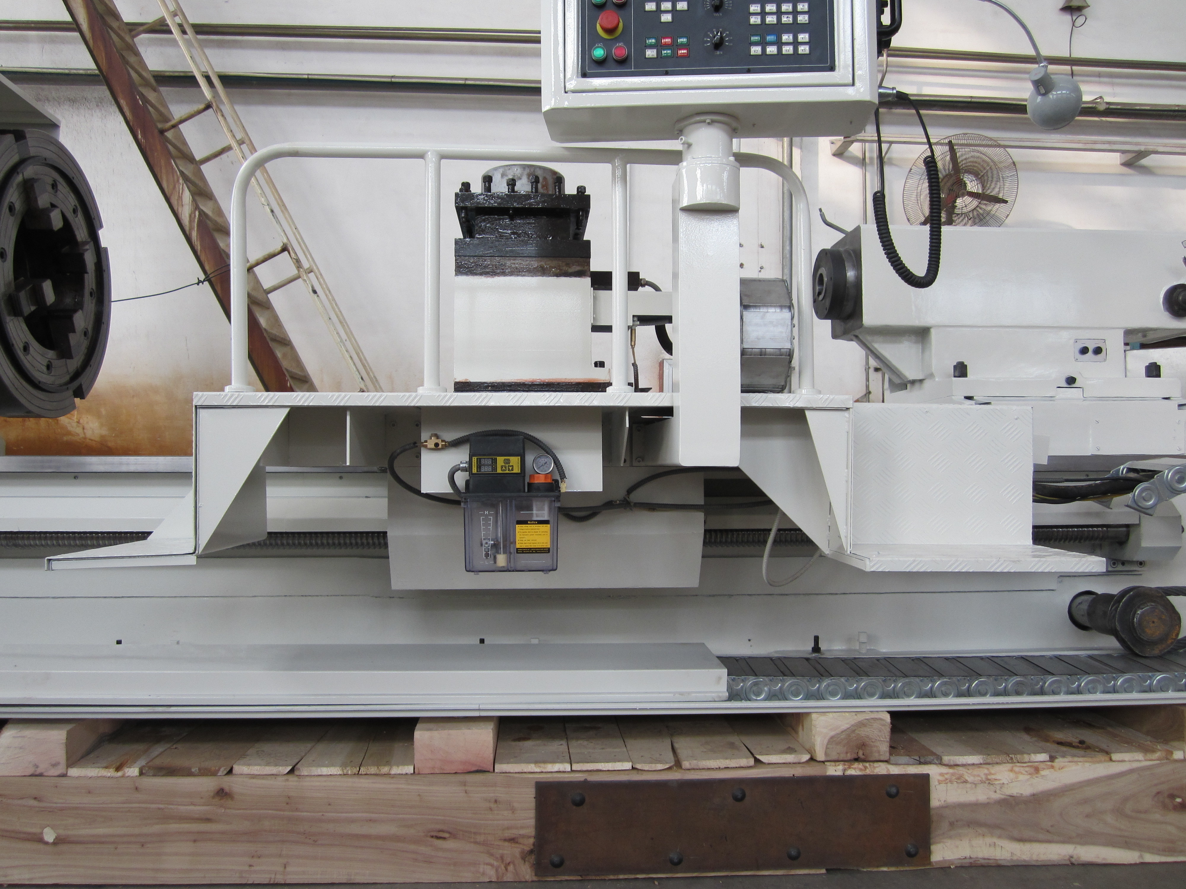 Cnc lathe for pipe threading