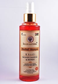Woody Sandal & Honey Herbal Shampoo