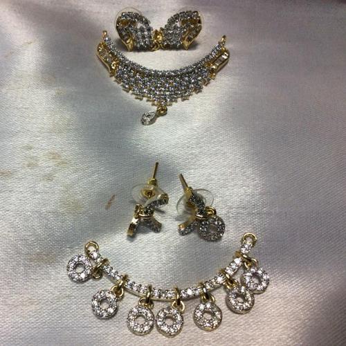 Ladies Designer Pendant Set