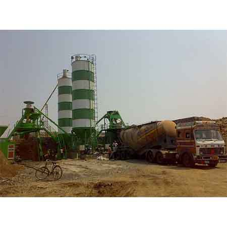 Two stage blower for 50 ton capacity bulker unloading in one hour