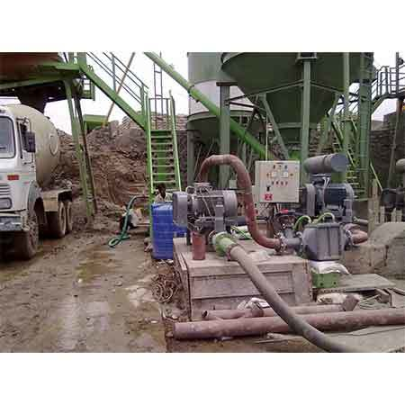 Two stage blower for 50 ton capacity bulker unloading
